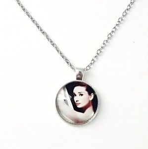 BUNDLE ONLY--> Audrey Hepburn Necklace
